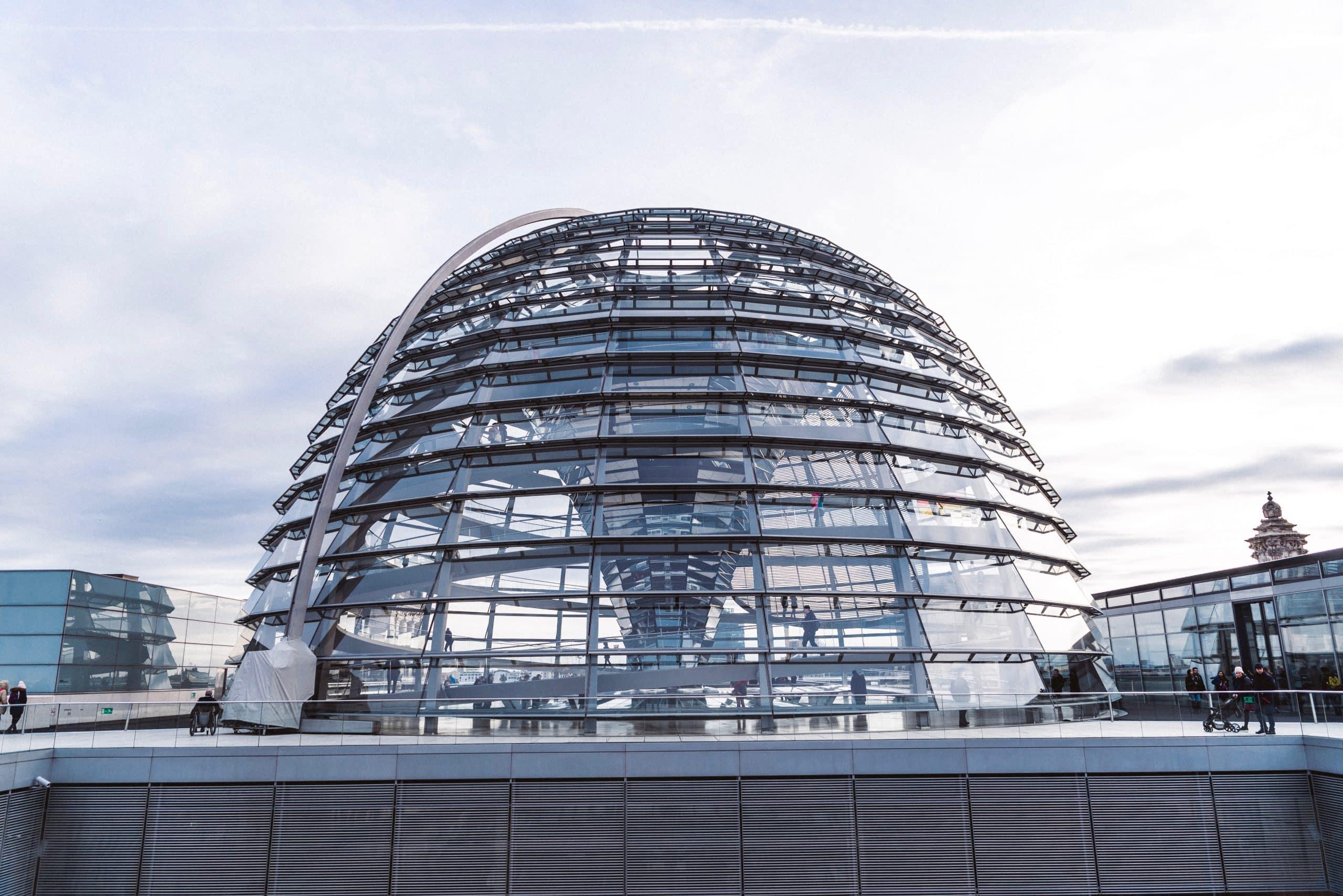 Berliner reichstagskuppel deutscher Bundestag