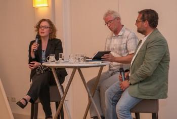 Die Bundestagsabgeordneten Verlinden und Meiwald (r.) in der Diskussion