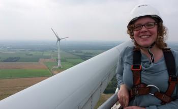 Julia Verlinden auf Windenergieanlage bei Aurich