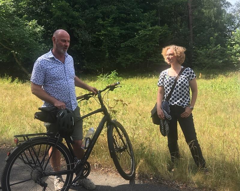Dirk Janzen und Julia Verlinden bei einem Stopp